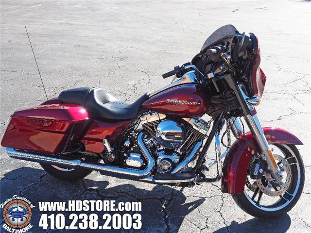Pre-Owned 2016 Harley-Davidson Touring FLHXS STREET GLIDE SPECIAL