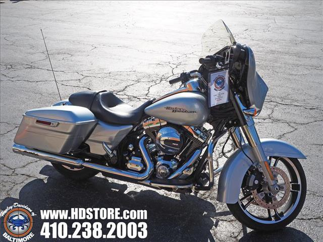 Pre-Owned 2015 Harley-Davidson Touring FLHXS STREET GLIDE SPECIAL
