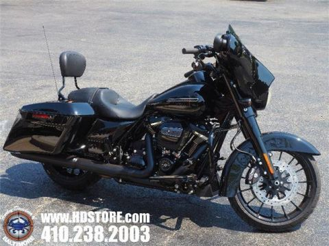 Pre-Owned 2018 Harley-Davidson Touring FLHXS STREET GLIDE SPECIAL