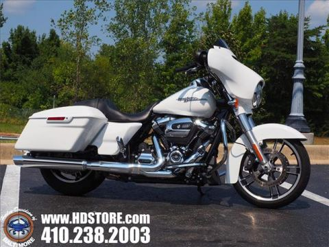 Pre-Owned 2017 Harley-Davidson Touring FLHXS STREET GLIDE SPECIAL
